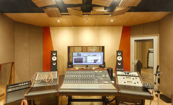 CJ아지트 광흥창 내부 녹음스튜디오 모습