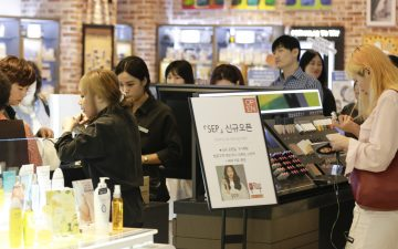 CJ오쇼핑 'SEP', 백화점 1층에 단독매장 오픈