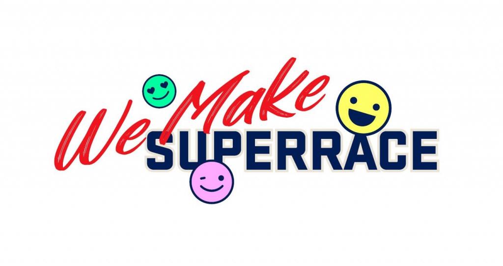 CJ대한통운 슈퍼레이스 챔피언십이 2021시즌 새롭게 시작하는 'We Make SUPERRACE' 캠페인의 로고로, 영문 텍스트 사이에 녹색, 노란색, 보라색으로 되어 있는 스마일 아이콘이 삽입되어 있다.